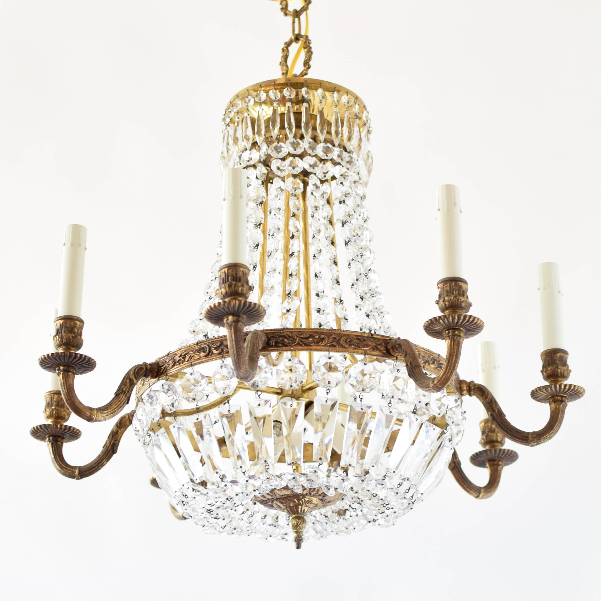 Old fashioned crystal chandeliers 8