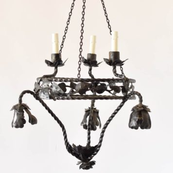 Iron Frecnh Chandelier with handmade Leaves