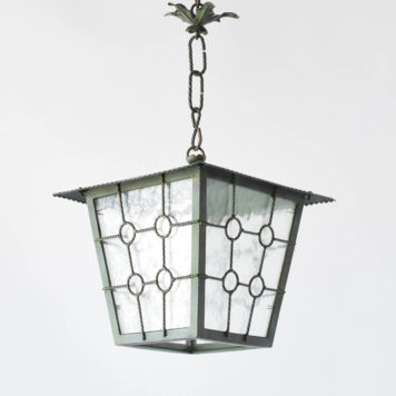 Vintage lantern with grid design