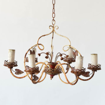 Country French chandelier with rusty white patina and 6 lights