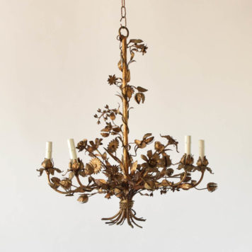 Vintage Italian Chandelier made in iron with the form of a flower bouquet