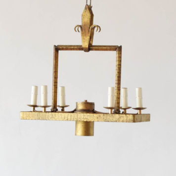 Gilt iron fixture with 6 lights and a downlight and fleur de lis