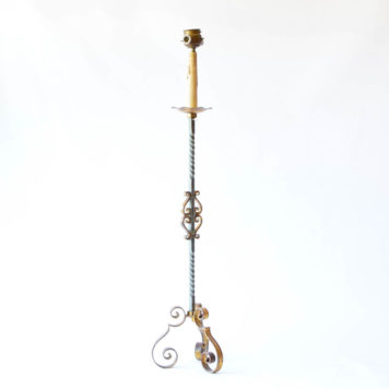 Iron floor lamp with curled iron base