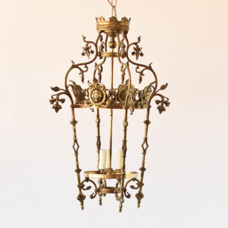 Formal 3 light bronze lantern