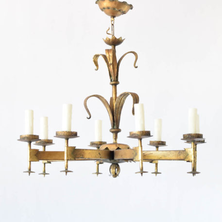 * arm Spanish chandelier with 2 rows of lily flowers on the central column