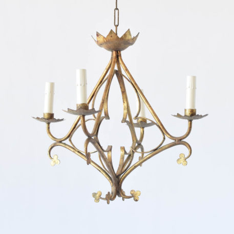 Spanish chandelier with a pyramid form decorated with clovers