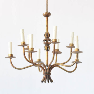 Simple Spanish chandelier with 10 arms